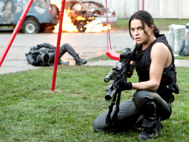 """Michelle Rodríguez con genética de atleta: """"Resident Evil: Retribution""""."""