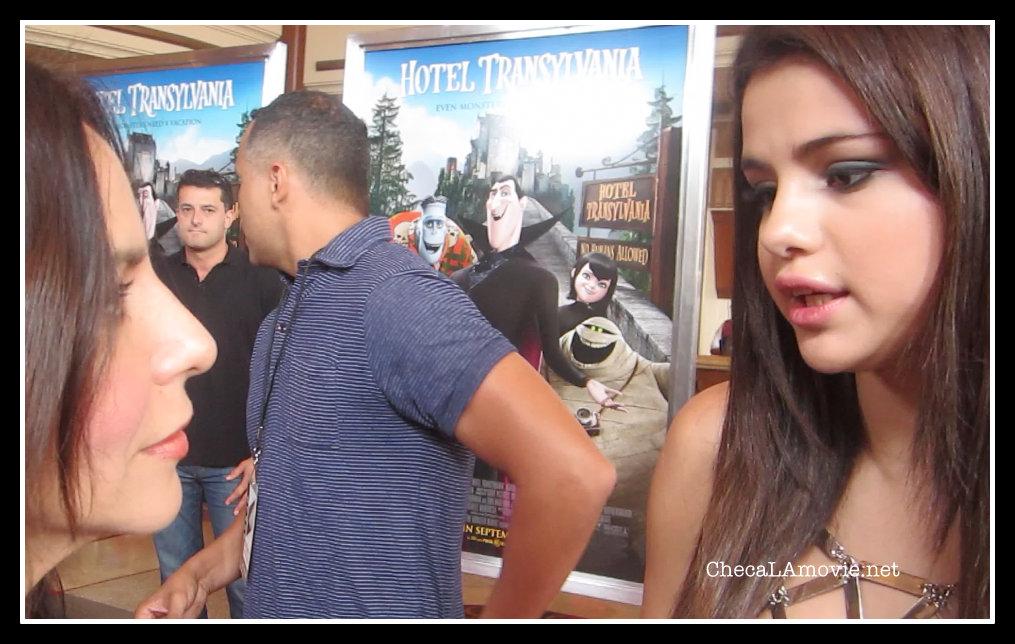 Selena Gomez y Adam Sandler en la Premiere de Hotel Transylvania.