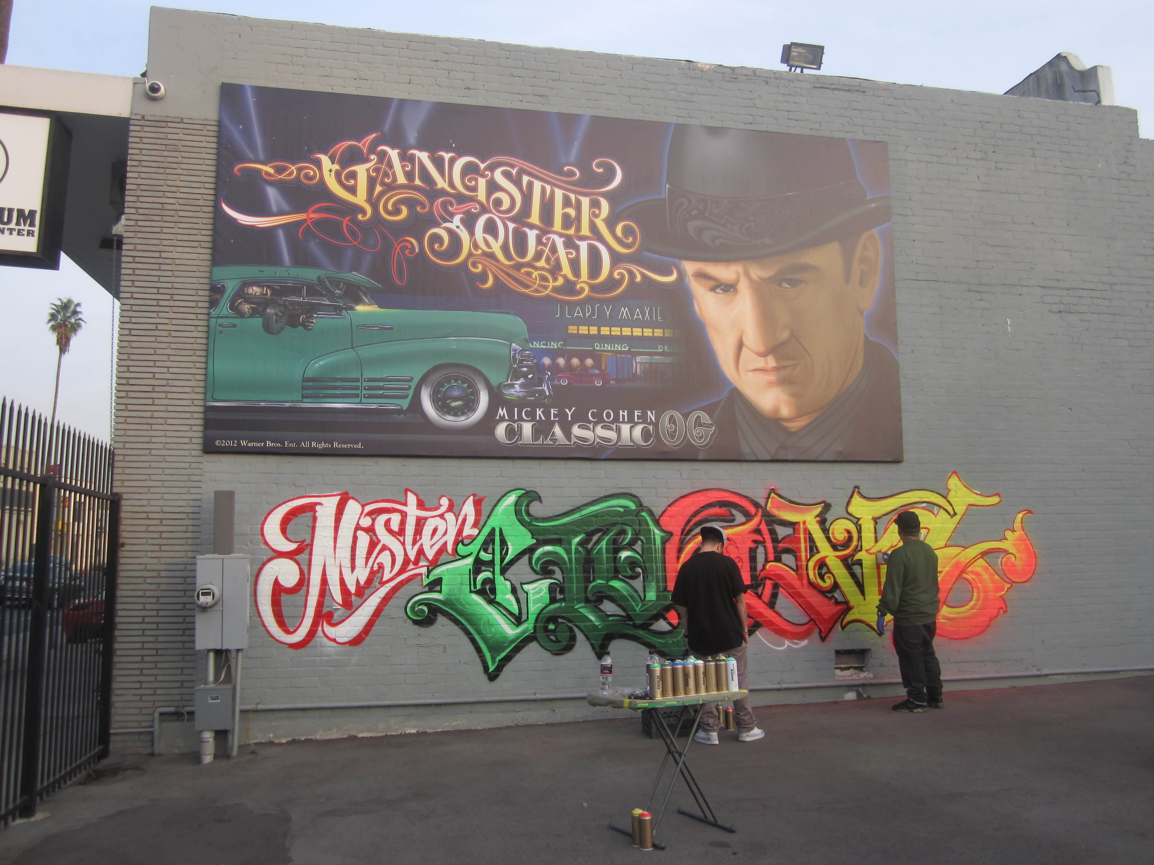 "Mr. Cartoon revela muro de ""Gangster Squad""."