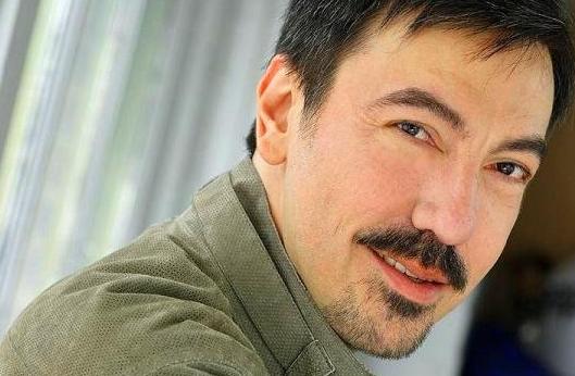 Historia Latina con Sabor a Hollywood: Juan Luis Acevedo y su nuevo proyecto.