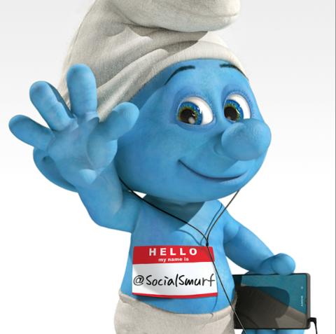 El Pitufo encargado de las redes sociales en la secuela de The Smurfs es Mario López.