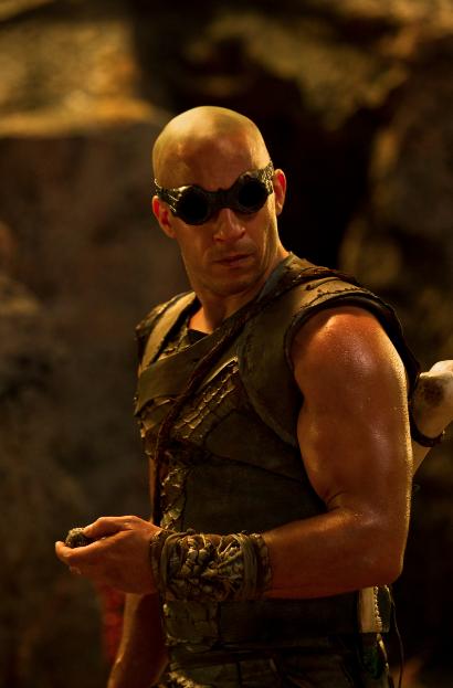 """""""Riddick"""" protagonizada por Vin Disel estrena trailer """"sin censura"""" en Comic-Con."""