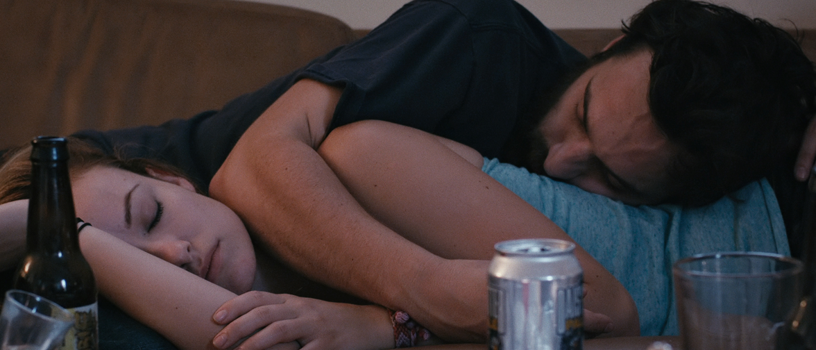 """""""Drinking Buddies"""" un exquisito brindis por la amistad entre hombres y mujeres."""