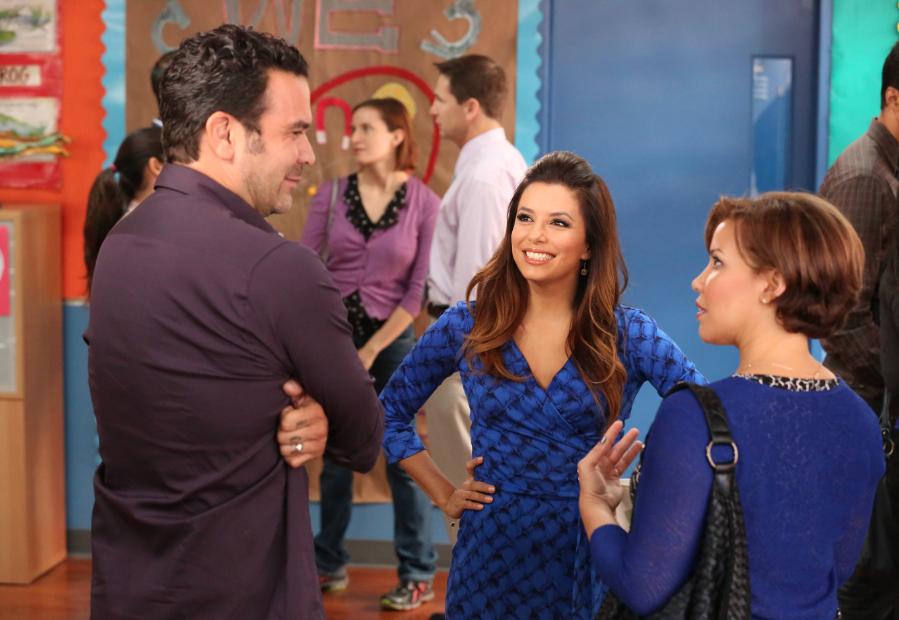 "Latinos en Hollywood: Justina Machado, Ricardo Chavira y Eva Longoria en ""Welcome to the Family"" #WTTF."