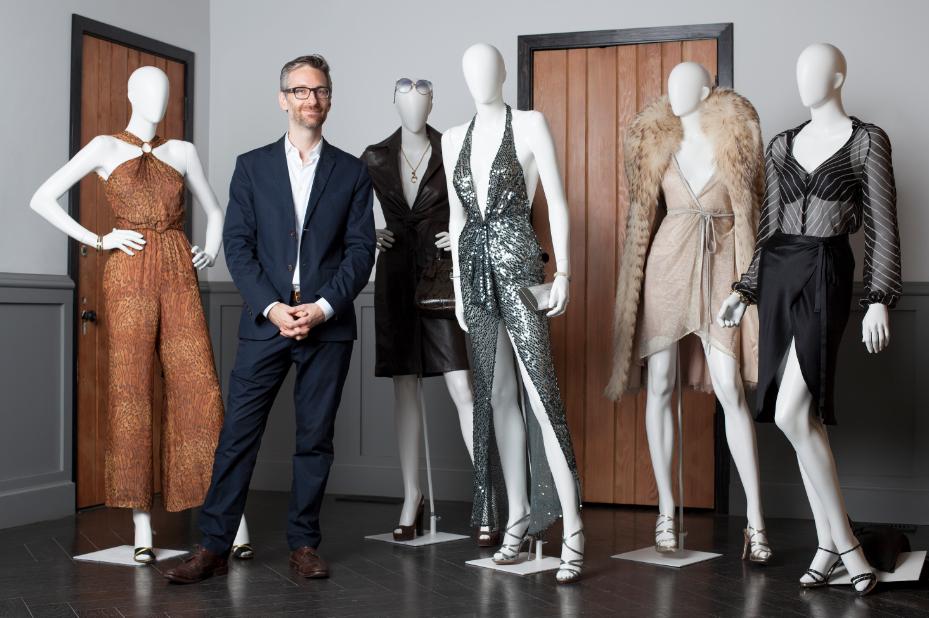 """El diseñador Michael Wilkinson y su fantástica aventura en el mundo de la moda de """"American Hustle""""."""