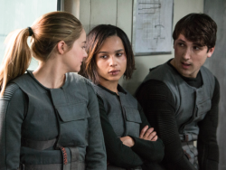 (L-R) SHAILENE WOODLEY, ZOE KRAVITZ and BEN LLOYD HUGHES star in DIVERGENT Date Added:	6/25/2013 9:19:08 AM Addtl. Info:	Photo Credit: Jaap Buitendijk ©2013 Summit Entertainment, LLC. All rights reserved.