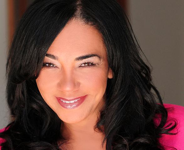 """Kiki Melendez abre las puertas de su casa y su corazón en """"La Trayectoria de una Comediante""""."""