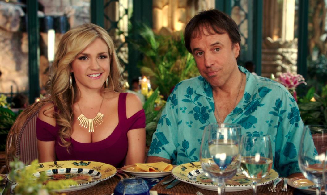 Kevin Nealon y Jessica Lowe, una pareja de comediantes en serio. #Blended.
