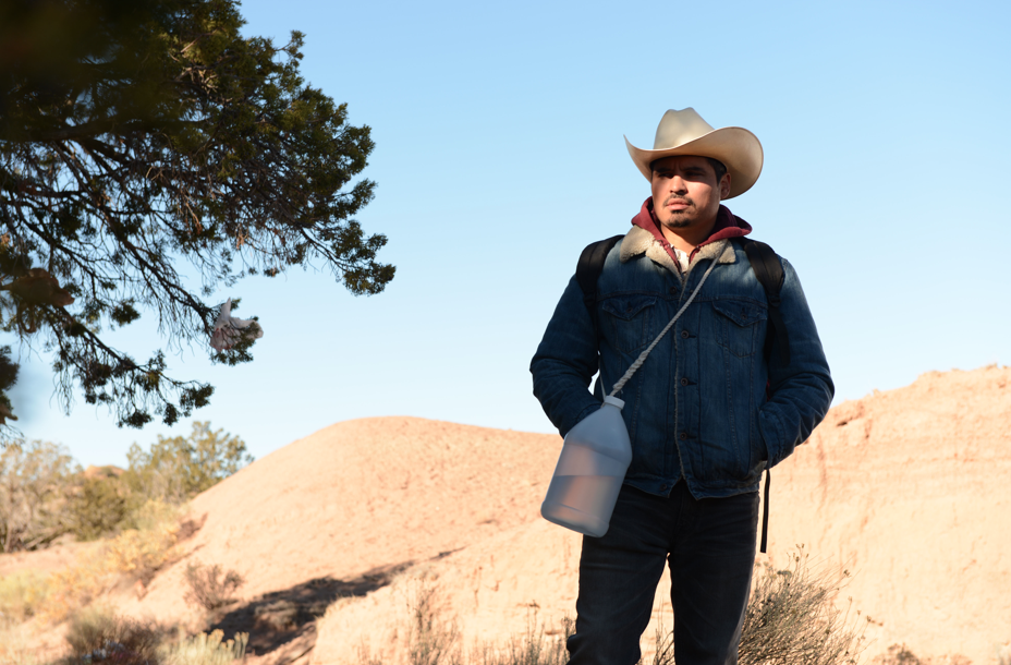 """Michael Peña y Eva Longoria protagonizan """"FRONTERA""""."""
