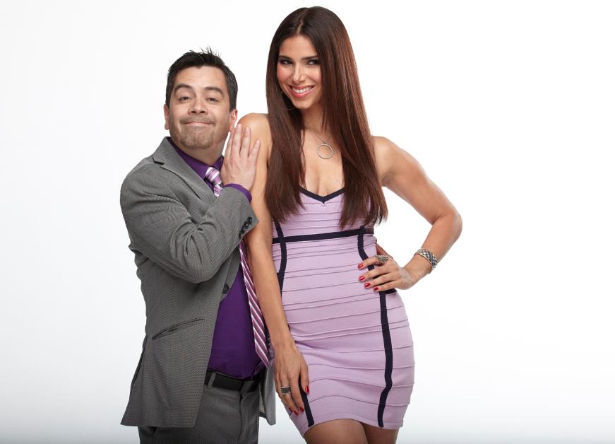 """Roselyn Sánchez y Carlos Espejel son pareja en """"Familia en Venta"""" por Mundo Fox."""