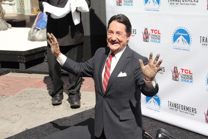 Peter Cullen y Optimus Prime reciben merecido homenaje en Hollywood #Transformers.