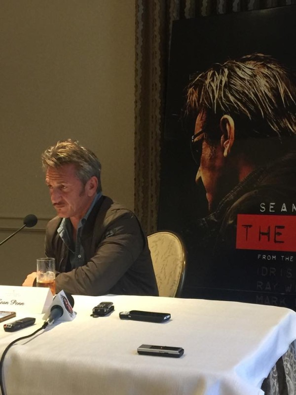 "Sean Penn: un héroe de acción en ""The Gunman""."