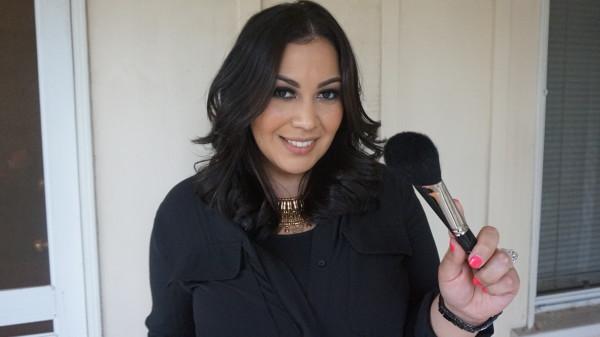Maquillaje al estilo alfombra roja con Liz Sandoval.