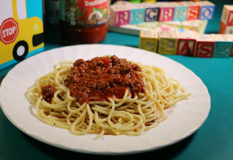Regreso a clases con un menú A+: Espagueti con carne molida a la Prego® Italian Sauce.